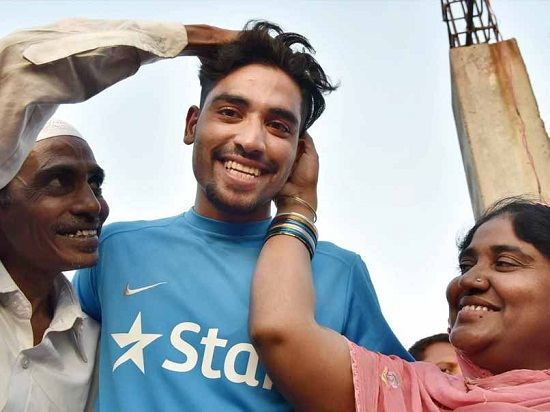 Mohammed Siraj Family Photos, Father, Mother, Wife, Biography