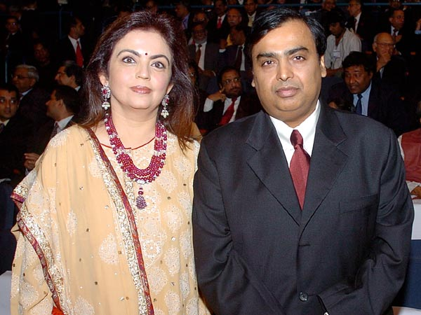 Mukesh Ambani Family Photos, Father, Wife, Son, Daughter, Brother,