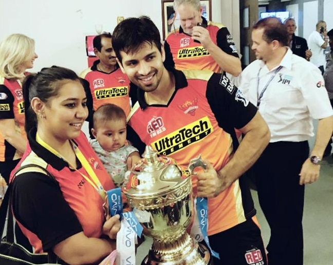 Naman Ojha Family Photos, Mother, Wife, Daughter, Age, Biography