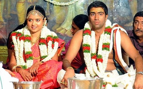 Ravichandran Ashwin Family Photos, Father, Mother, Wife, Height, Biography