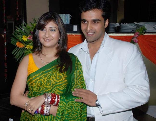 Juhi Parmar Family Pics, Husband, Age, Sister