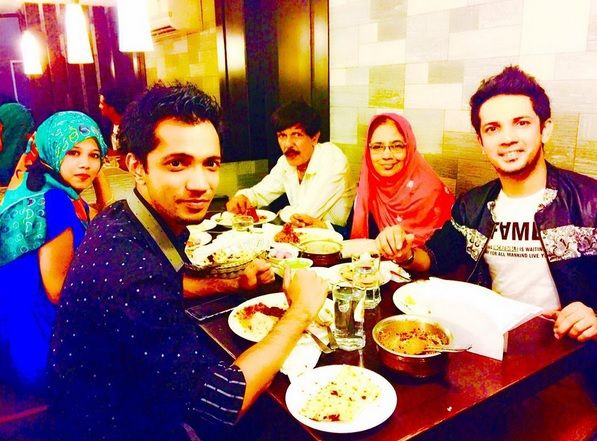 Mudassar Khan Family Photos, Father, Mother, Wife, Age, Biography