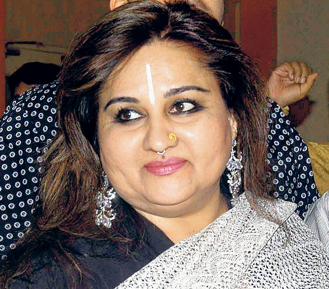 Reena Roy Family Photos, Husband, Daughter, Father, Mother Age, Height, Bio