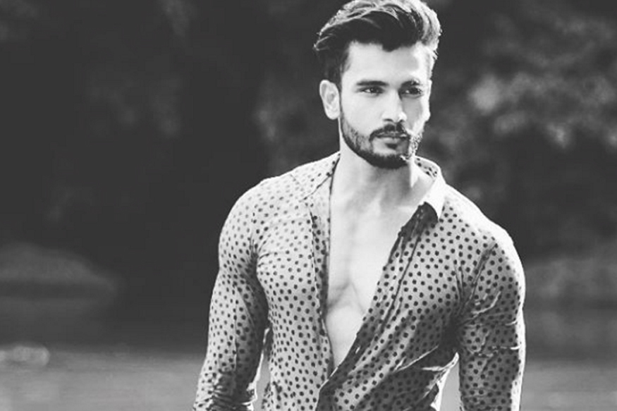 Rohit Khandelwal Family Photos, Wife, Height, HairstyleRohit Khandelwal Family Photos, Wife, Height, Hairstyle