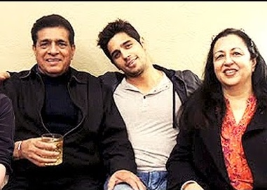 Siddharth Malhotra Family Photos, Father, Mother, Wife, Age, Biography
