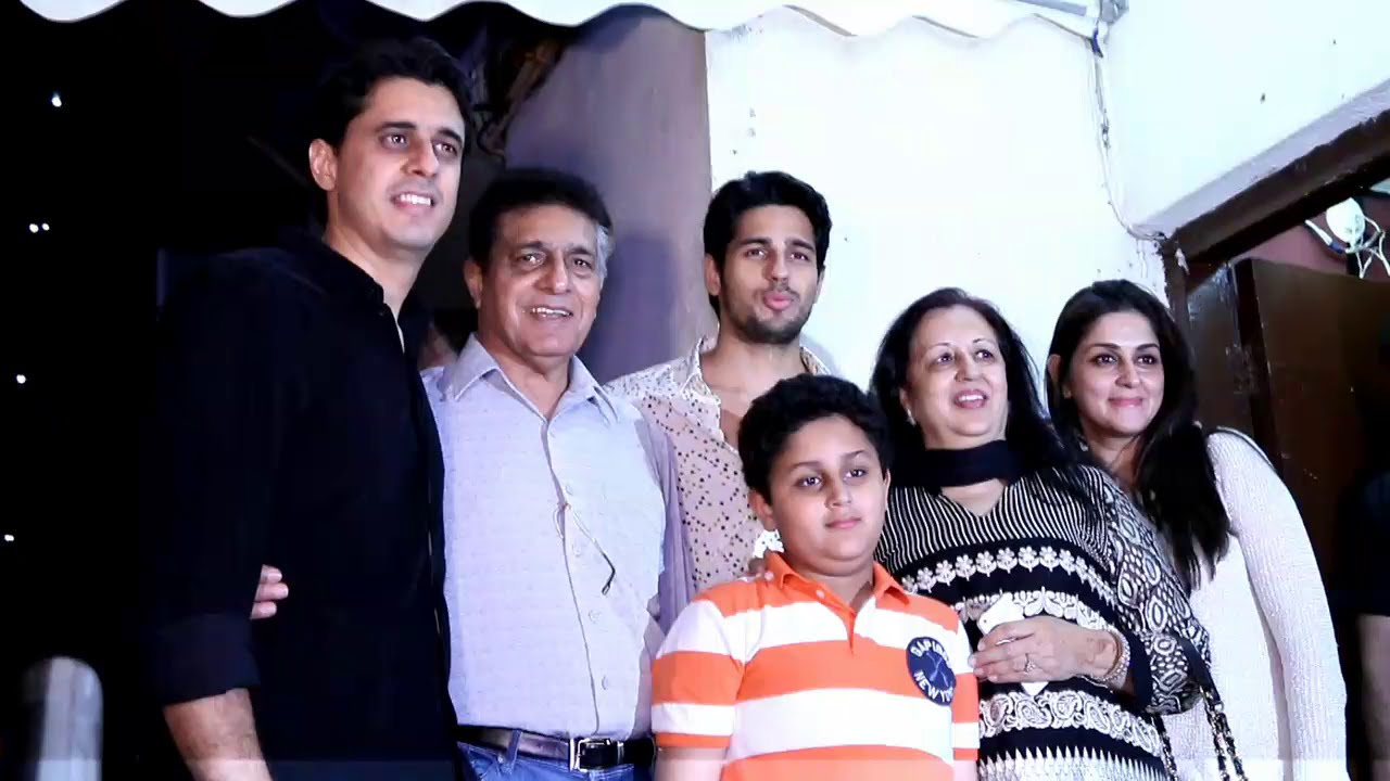 Siddharth Malhotra Family Photos, Father, Mother, Wife, Brother, Biography
