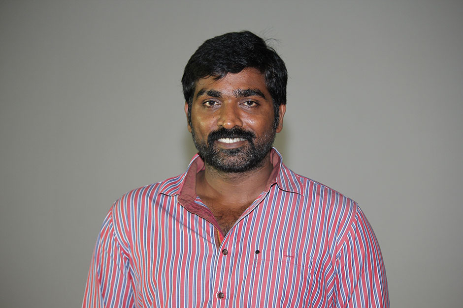 Vijay Sethupathi Family Pictures, Wife, Marriage Photos, Children, Age, Height