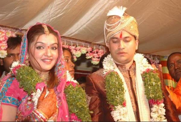 Aarthi Agarwal Family Photos, Husband, Sister, Mother, Height, Bio