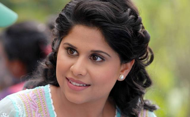 Sai Tamhankar Family Photos, Father, Mother, Husband, Age, Height, Bio