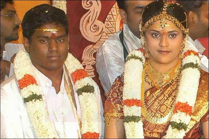 Yuvan Shankar Raja Family Photos, Father, Wife, Height, Biography