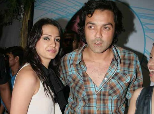 Bobby Deol Family Photos, Wife, Son, Father, Age, Height, Bio
