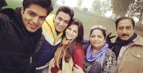 Rohan Gandotra Family Photos, Wife, Father, Mother, Height, Bio