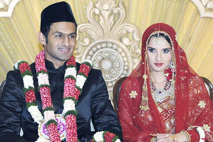 Sania Mirza Family Photos, Husband, Father, Mother, Sister, Height, Salary